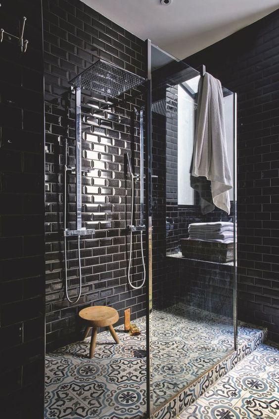 obklady do koupelny černé metro