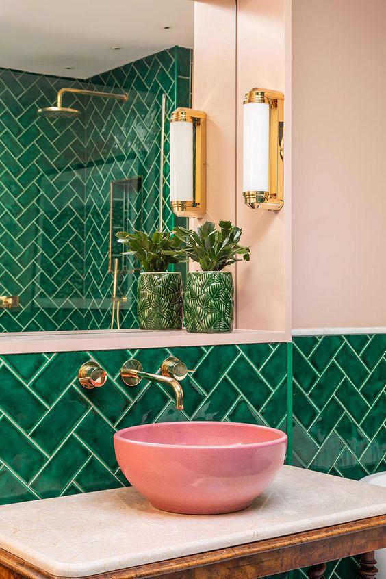 obklady do koupelny zelené stromeček rybí šupina retro