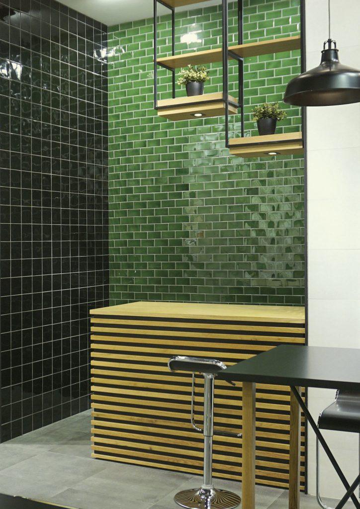obklady zelené obdélníkové kuchyně