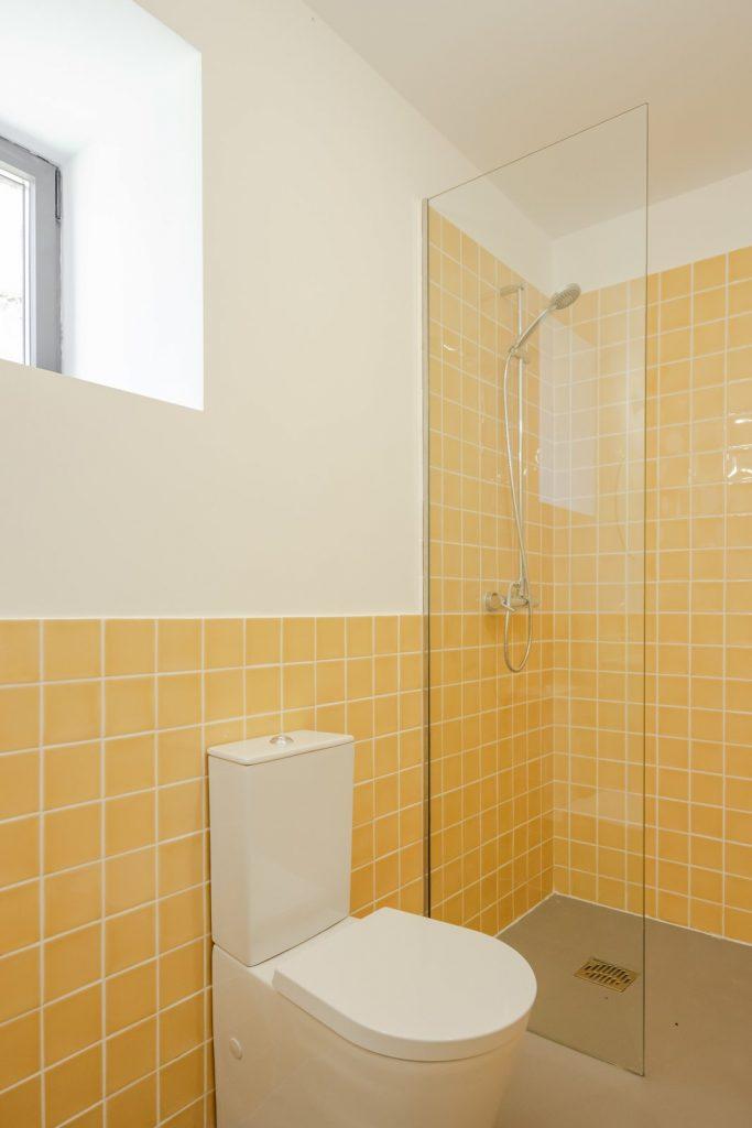 obklady žluté koupelny