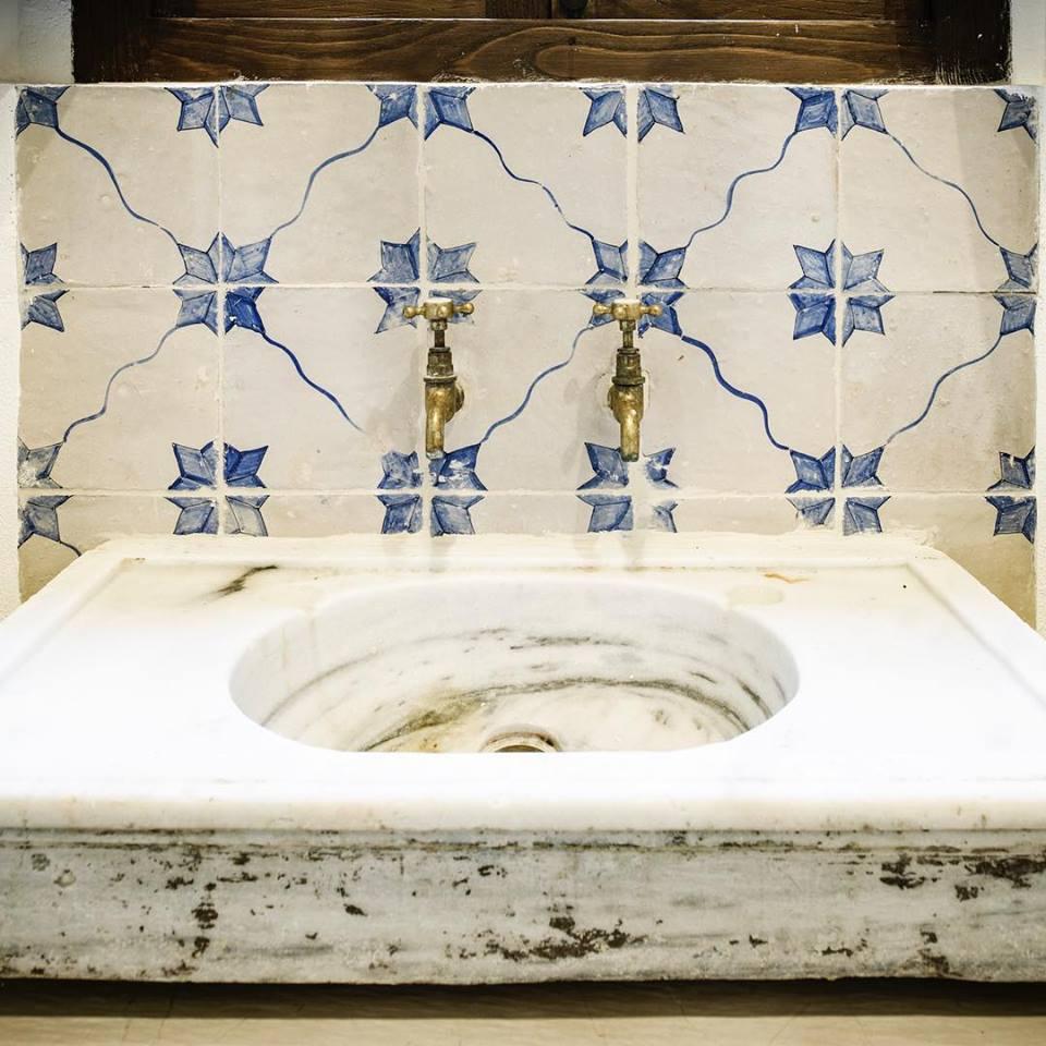 malovaná terakota cotto etrusco obklady do koupelny