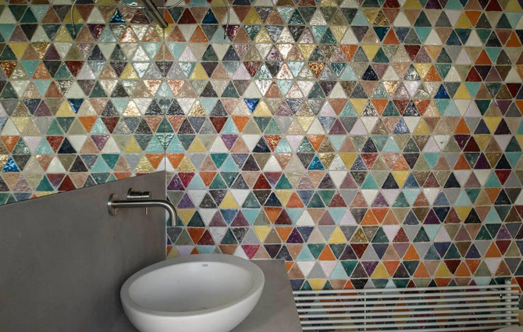 obklady do koupelny, retro, handmade, malované, moderní koupelna, inspirace