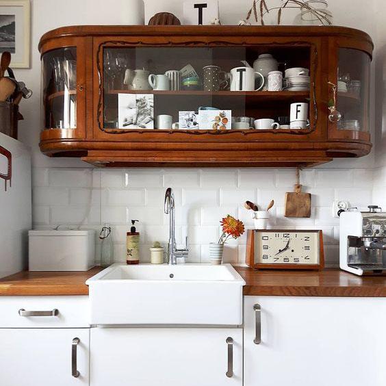 obklady do kuchyně bílé obdélníky metro
